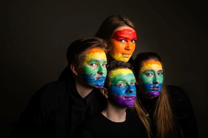 Fabian, Julia, Andrea en Vlada blazen nieuw leven in Erasmus Pride